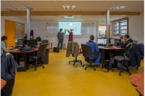 Etude des projets et des savoirs technologiques en salle de cours. Conception des projets sur PC avec DAO